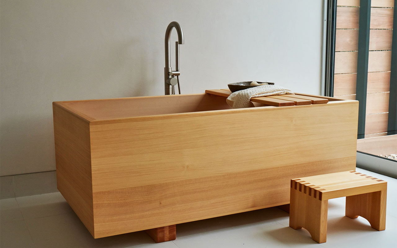 custom stay banner hinoki tub