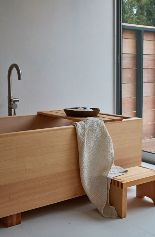 guest studio hinoki tub